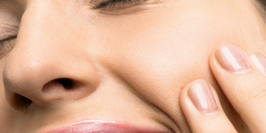 De ce se pătează dinții – cauze și metode de tratament
