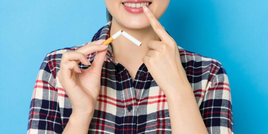 Fumatul și alcoolul – cei mai răi dușmani ai danturii