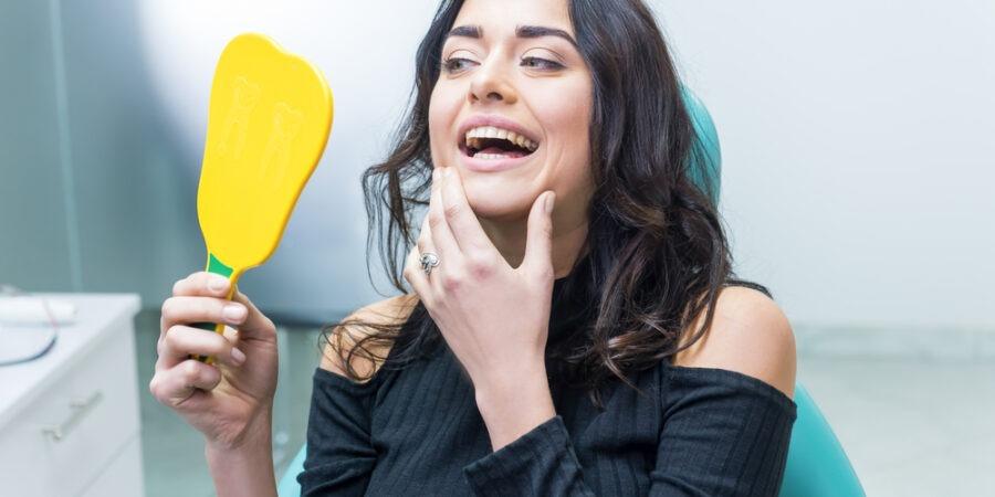 Știai că înaintea montării aparatului dentar ai nevoie de un mini implant ortodontic?