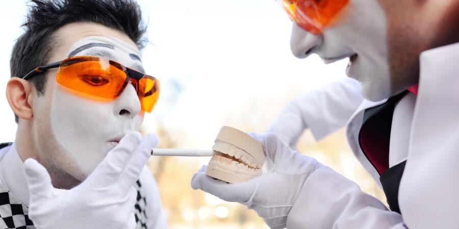 Implantul dentar și fumatul. Ce riști dacă fumezi?